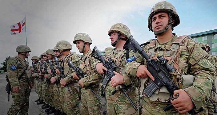 Грузинские военнослужащие во время международных учений