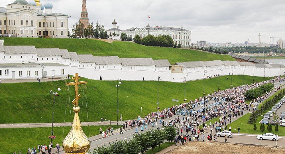 Крестный ход в праздник Казанской иконы Божией Матери