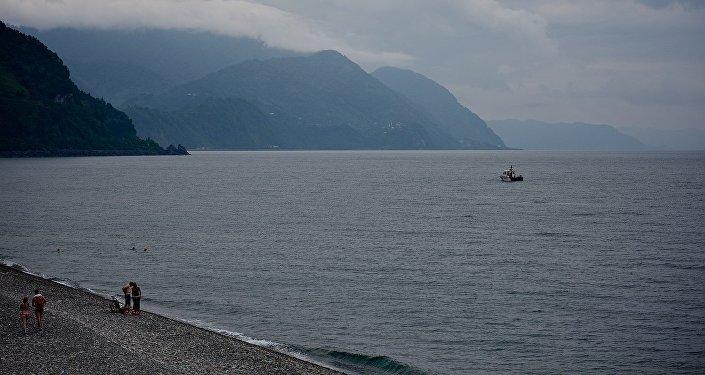 Катер морской береговой охраны Грузии в акватории Сарпи у грузино-турецкой границы