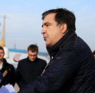 Бывший президент Грузии Михаил Саакашвили выступает на брифинге в Одессе