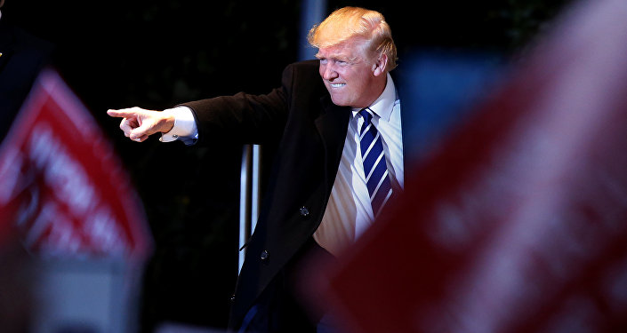 Президент США рассчитывает на«долгие» и«прочные» отношения сРФ— Штаб Трампа