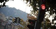 Красный свет на светофоре