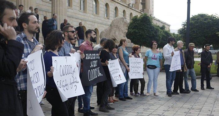 Акция активистов движения Белый шум