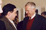 Бесик Пипия и Анатолий Собчак на презентации его книги Тбилисский излом, или кровавое воскресенье 1989 года