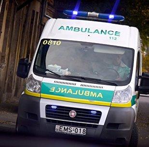 Машина Скорой медицинской помощи на одной из улиц грузинской столицы