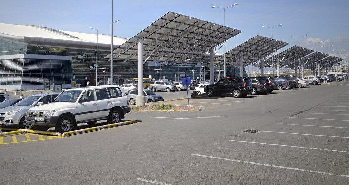 Солнечные батареи в аэропорту Тбилиси