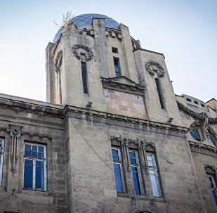 Дом Александра Мелик-Азарянца, вид со стороны площади революции Роз