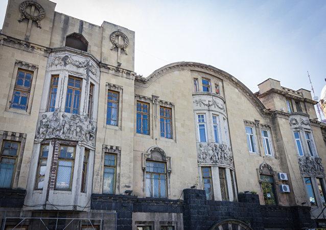 Дом Александра Мелик-Азарянца, вид со стороны проспекта Руставели