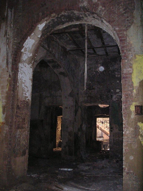Подземные этажи здания, вход в которые на сегодняшний день недоступен