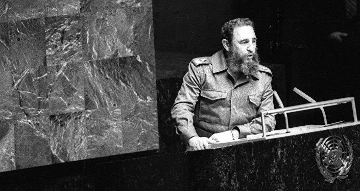 Граждане Майами вышли наулицы, чтобы отпраздновать смерть Фиделя Кастро