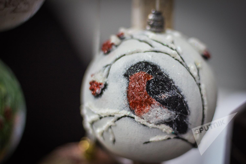 Первый стеклянный елочный шар был в XVI веке