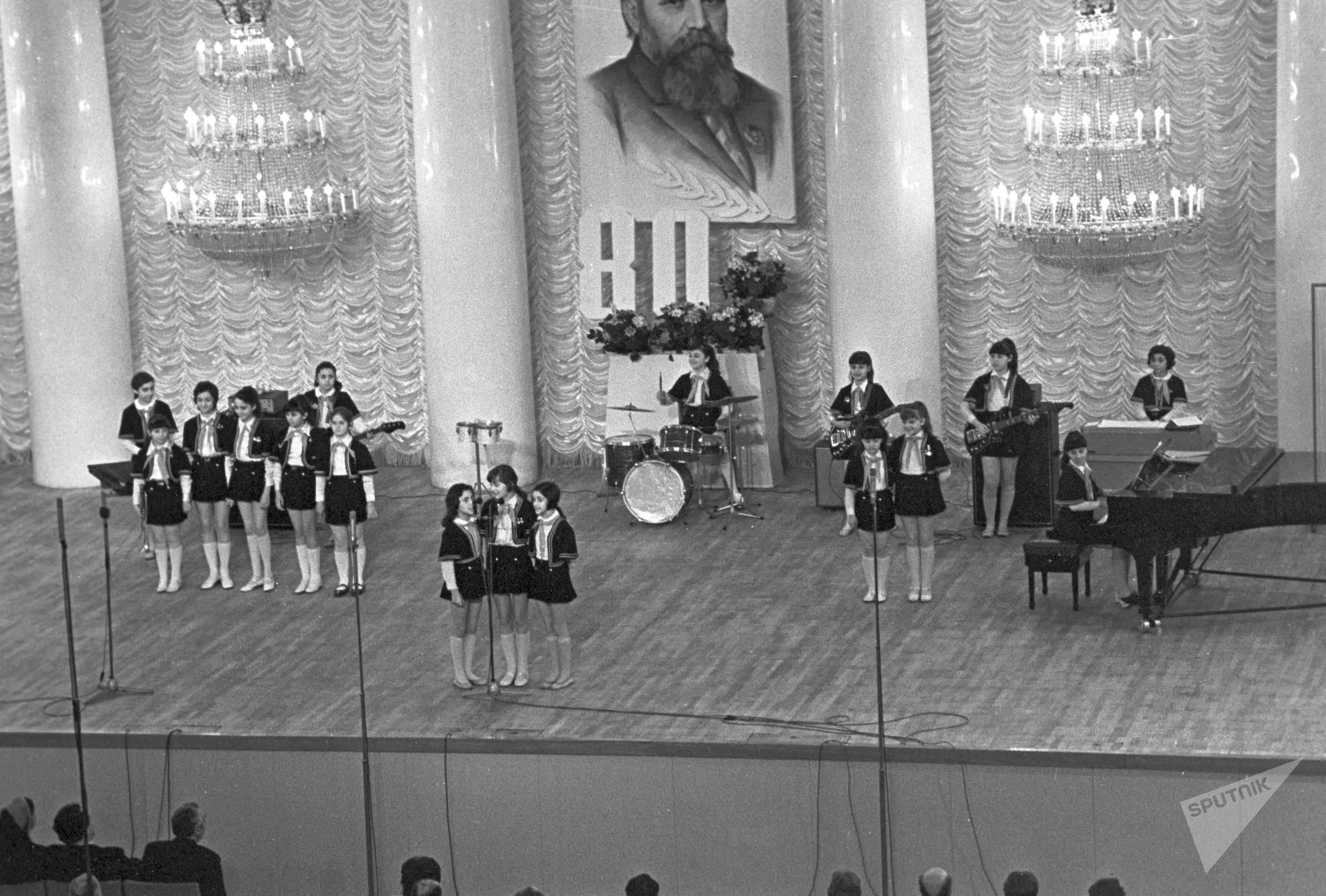 Русские современные народные певицы
