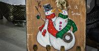 Новогоднее украшение со снеговиками