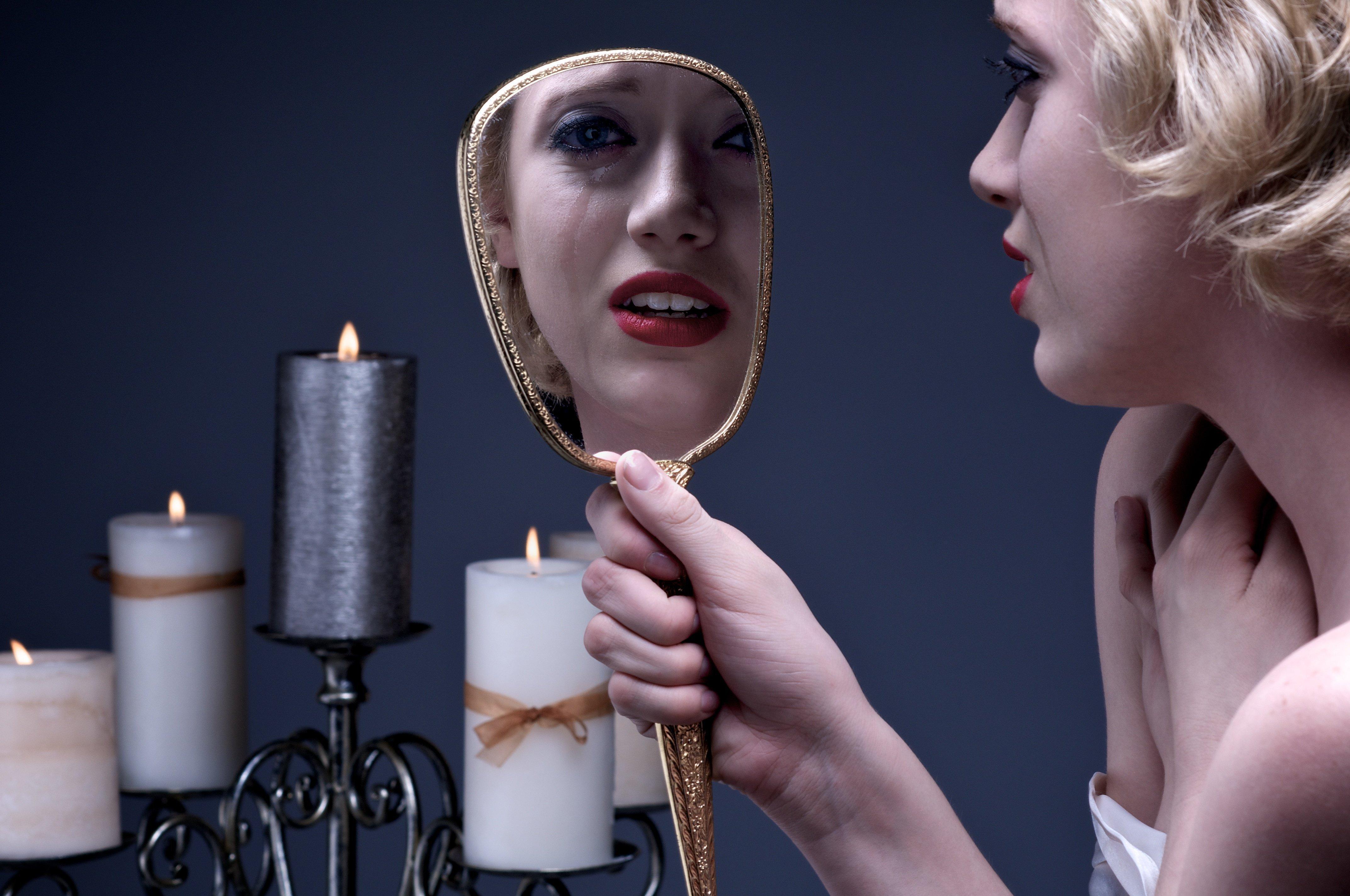სარკეში უარყოფითი ემოციები აისახება და შემდეგ გაორმაგებული ენერგიით ბრუნდება უკან