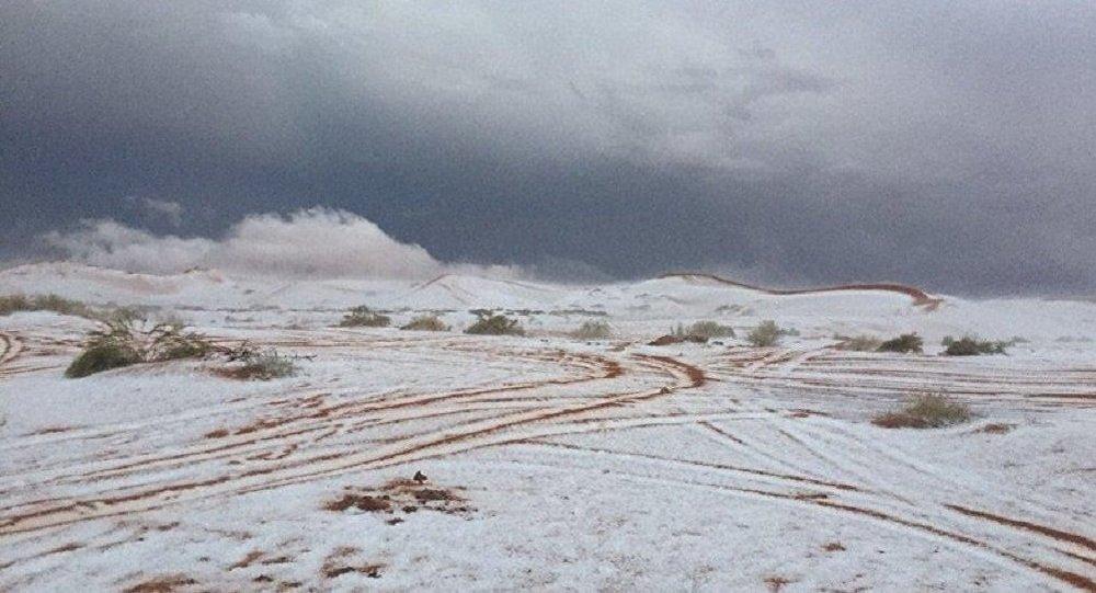 Снег в пустыне Аравийского полуострова