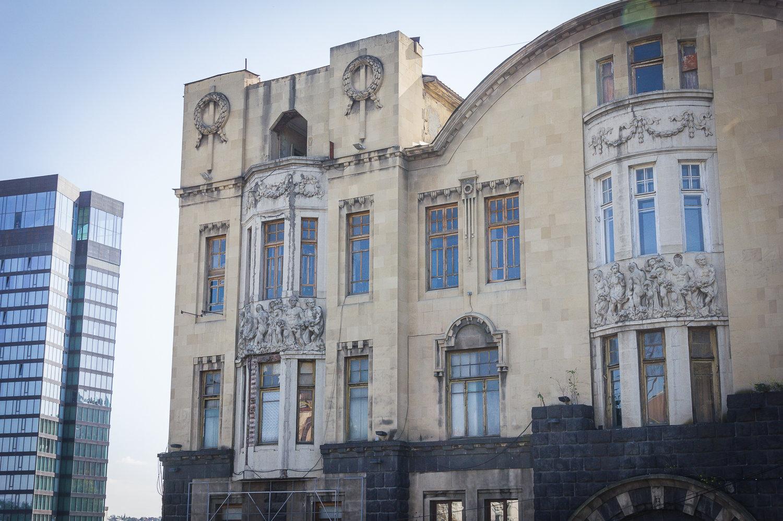 ალექსანდრე მელიქ-აზარიანცის სახლის ხედი რუსთაველის გამზირიდან