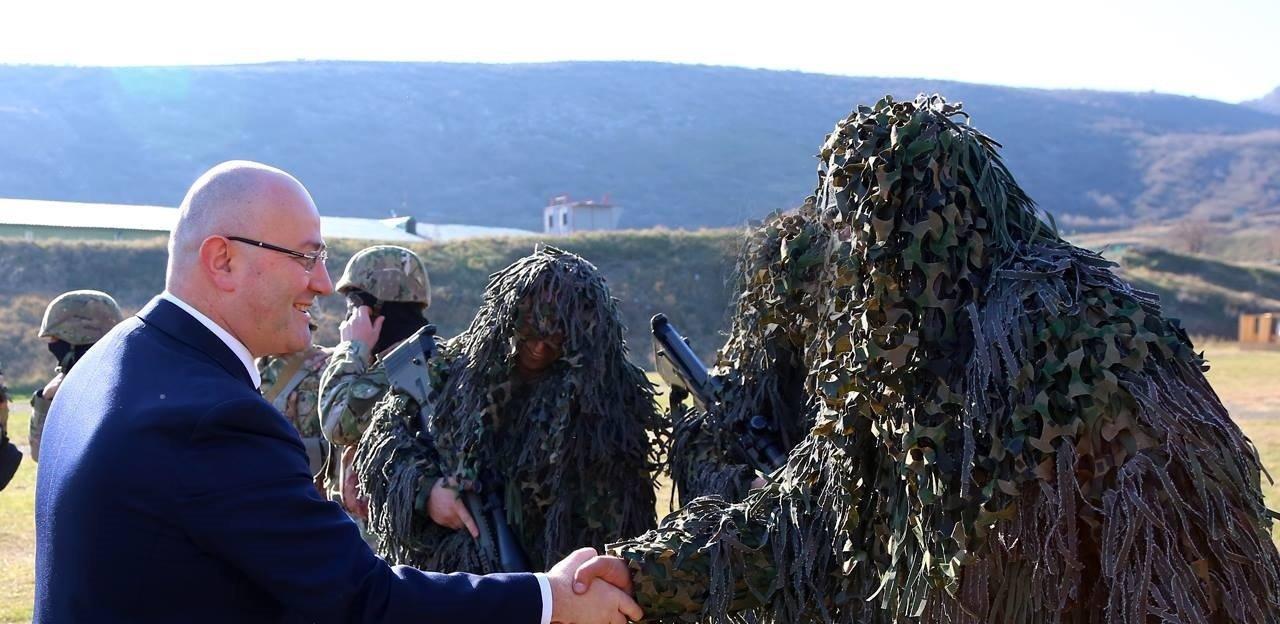 Министр обороны Грузии Леван Изория поздравил служащих Сил специальных операций с праздником