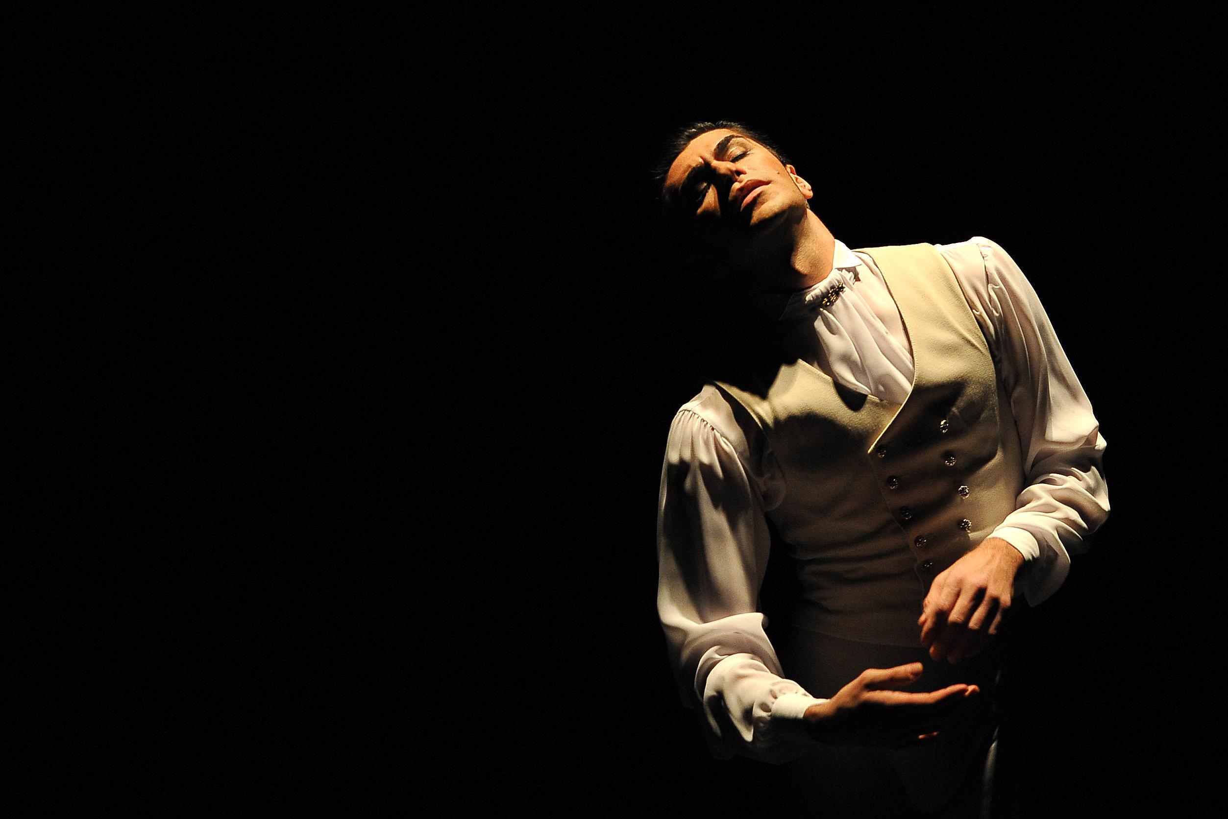 Артист балета Николай Цискаридзе в сцене из балета Пиковая дама в постановке Ролана Пети