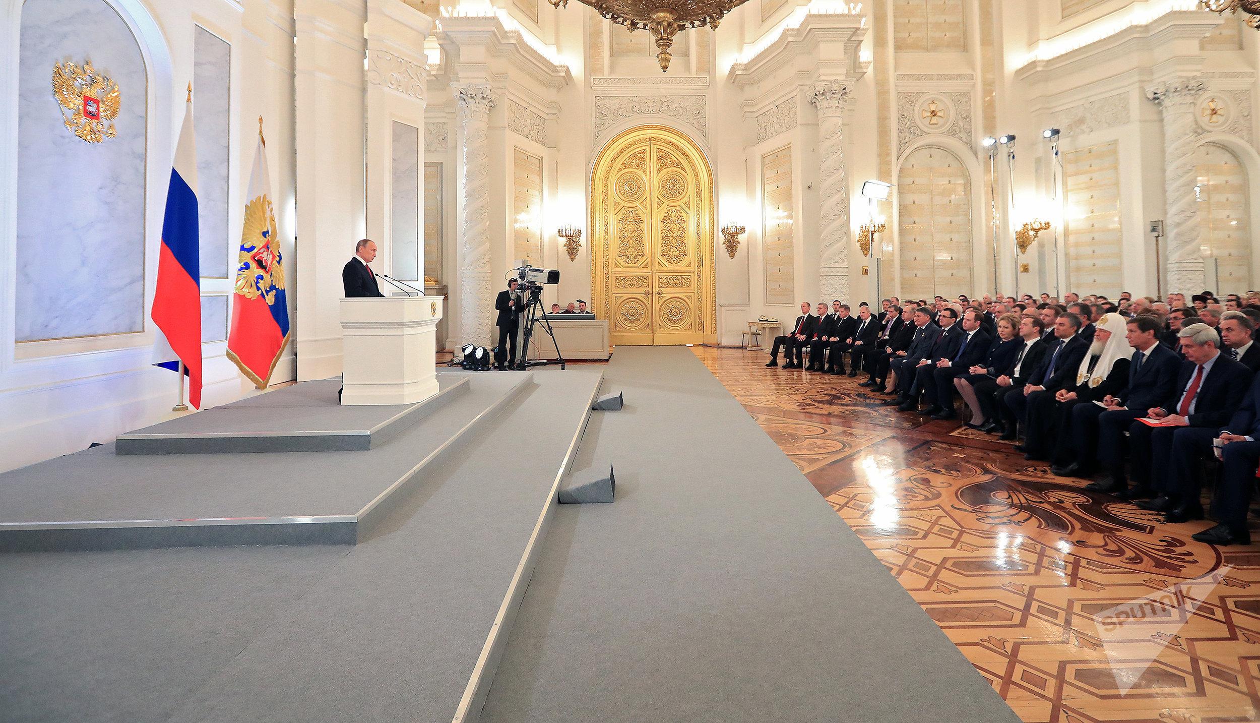 Президент России Владимир Путин во время ежегодного обращения к Федеральному собранию