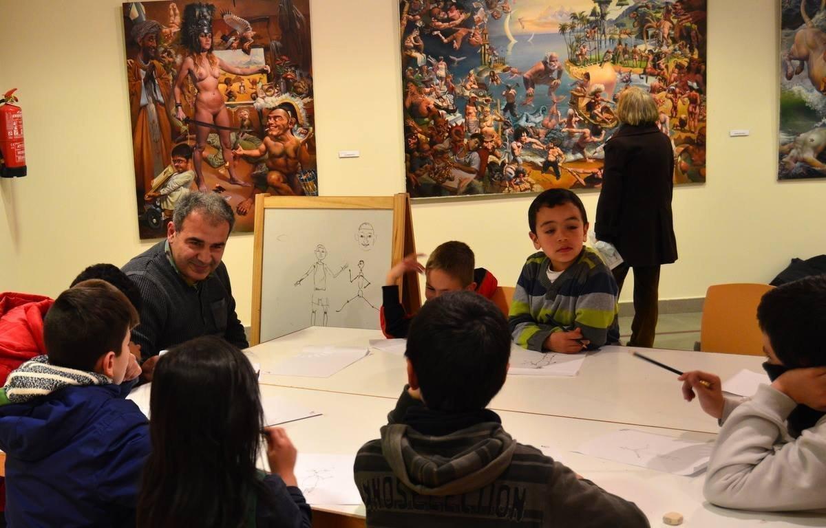 Заза Папидзе на уроке рисования