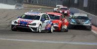 Один из заездов Международной Серии кузовных автогонок TCR - Touring Car Racing в Сочи