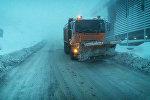 Снег на дороге Мцхета-Степанцминда-Ларс