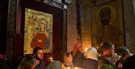სვეტიცხოვლის ტაძრში მორწმუნეები ღვთისმშობლის ტაზრად მიყვანებას ზეიმობენ