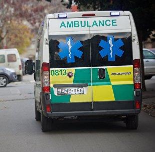 Бригада скорой помощи едет по вызову