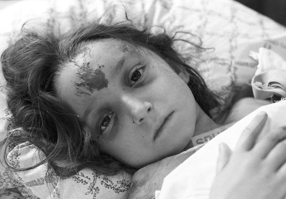 პატარა ლუსინა კარაპეტიანი - 1988 წლის 7 დეკემბერს მომხდარი მიწისძვრის დროს დაშავებულთაგან ერთ-ერთი იყო