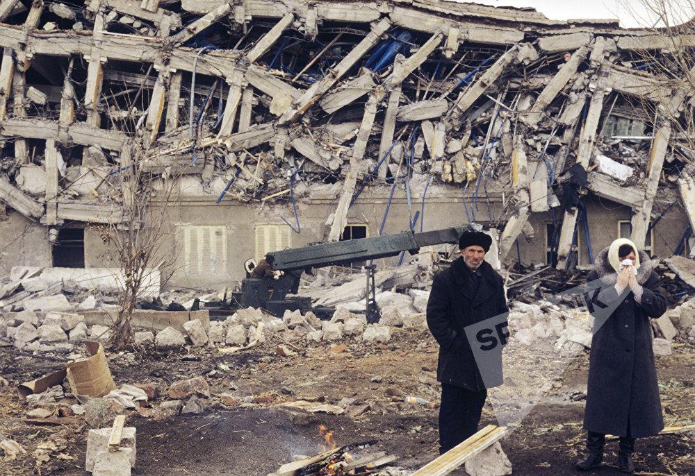 ქალაქი სპიტაკი მიწისძვრის შემდეგ, რომელიც 1988 წლის 7 დეკემბერს მოხდა.