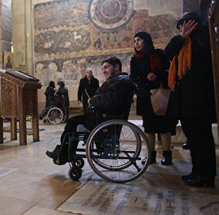 Люди с ОВЗ в одном из храмов в Мцхета