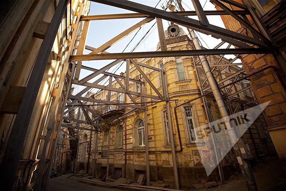 Так сейчас выглядит пересечение улицы Ахоспирели и площади Гудиашвили.