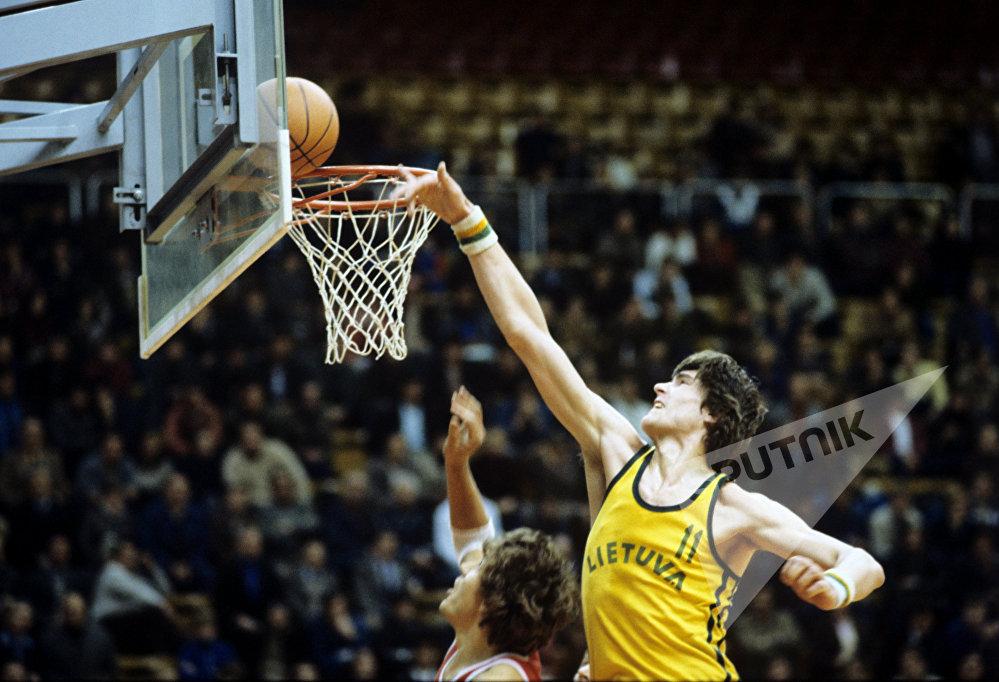 В 1993 и 1995 годах Сабонис получал титул лучшего баскетболиста Европы.