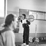 Карьера профессионального баскетболиста требует полной самоотдачи. На фотографии: игрок сборной СССР по баскетболу Арвидас Сабонис во время тренировки.