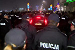 Кортеж Качиньского в Кракове полиция защищала от протестующих