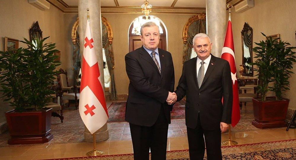 Премьер Грузии уходит вТурцию
