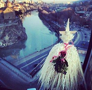 Чичилаки над Старым Тбилиси