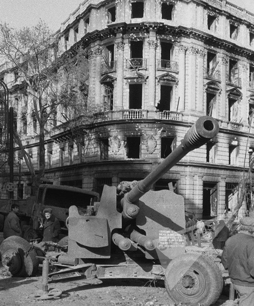 სასტუმრო თბილისი რუსთაველის გამზირზე ომის შემდეგ