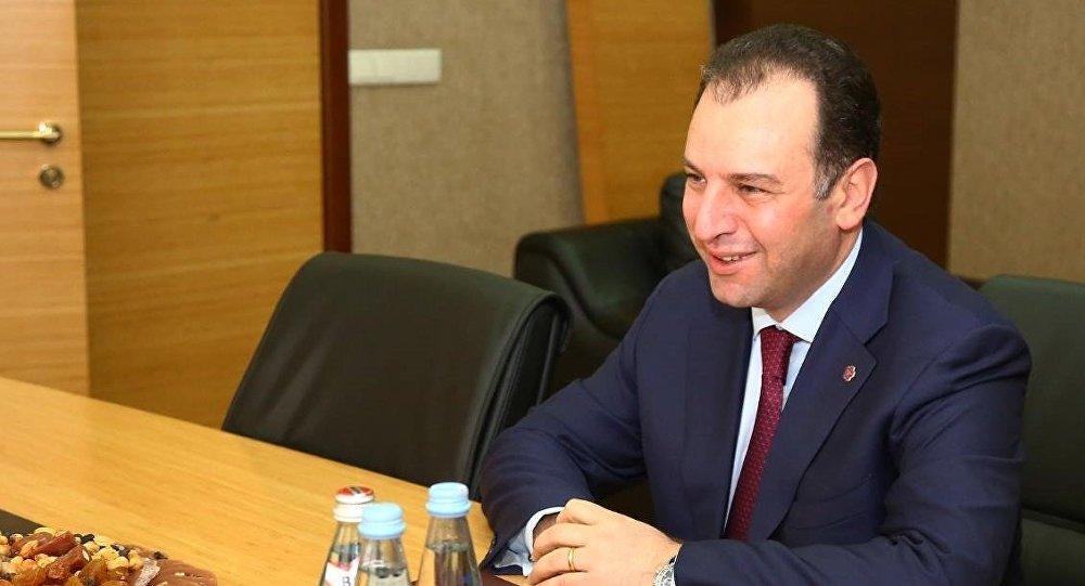 Министр обороны Армении Виген Саркисян во время визита в Грузию