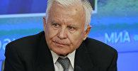 Председатель комиссии по гражданской авиации Общественного совета Ространснадзора, заслуженный пилот СССР Олег Смирнов, архивное фото