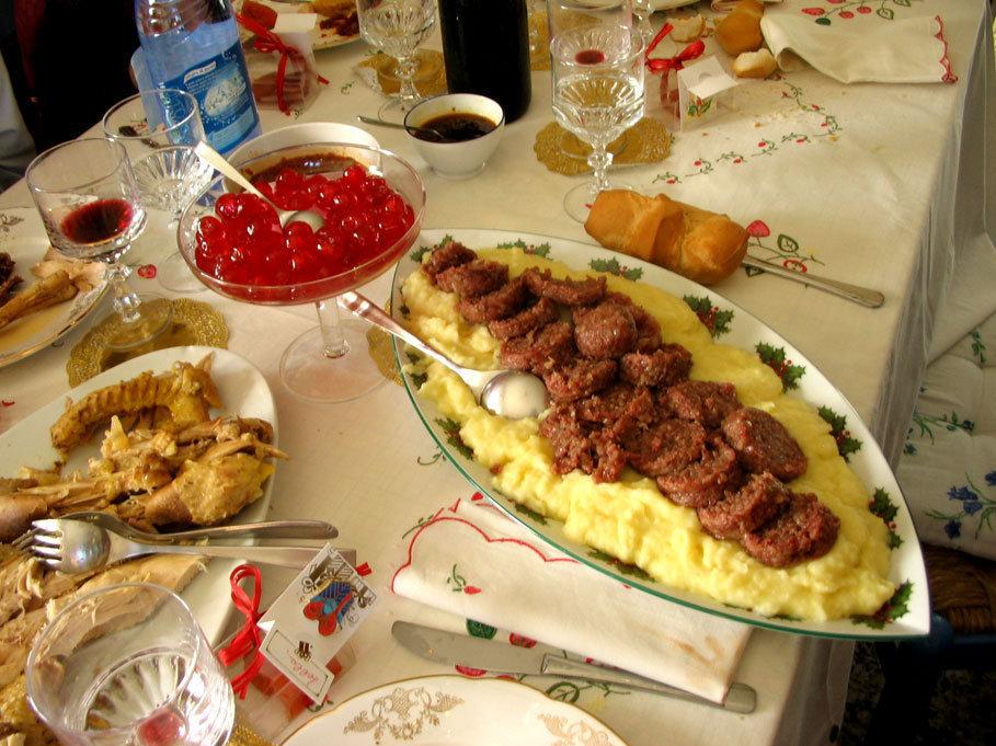 ასე გამოიყურება იტალიელების სადღესასწაულო სუფრა