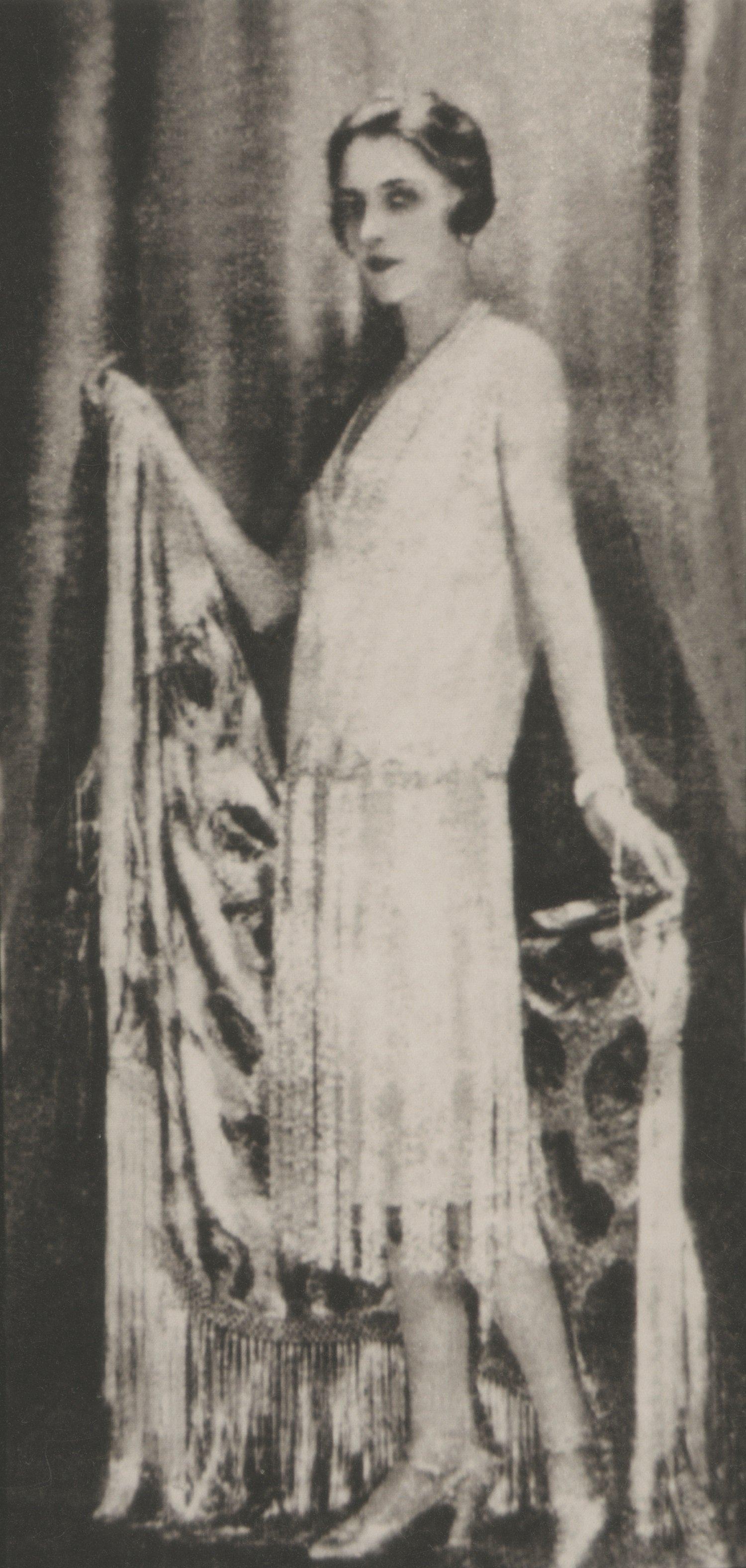 Княгиня Мэри Шарвашидзе-Эристави в платье Шанель