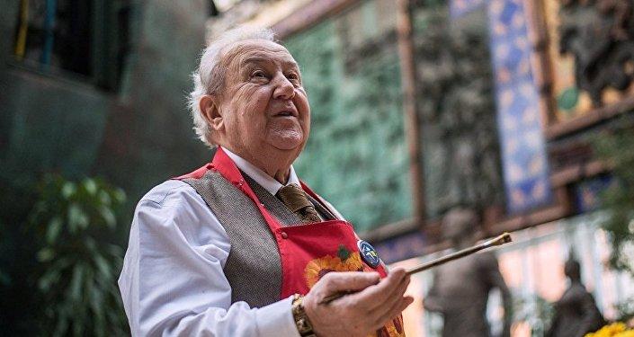 რუსეთის სამხატვრო აკადემიის პრეზიდენტი ზურაბ წერეთელი