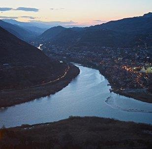 Вид на город Мцхета у слияния рек Арагви и Куры