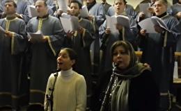 Церковный хор исполняет грузинскую рождественскую песню Алило