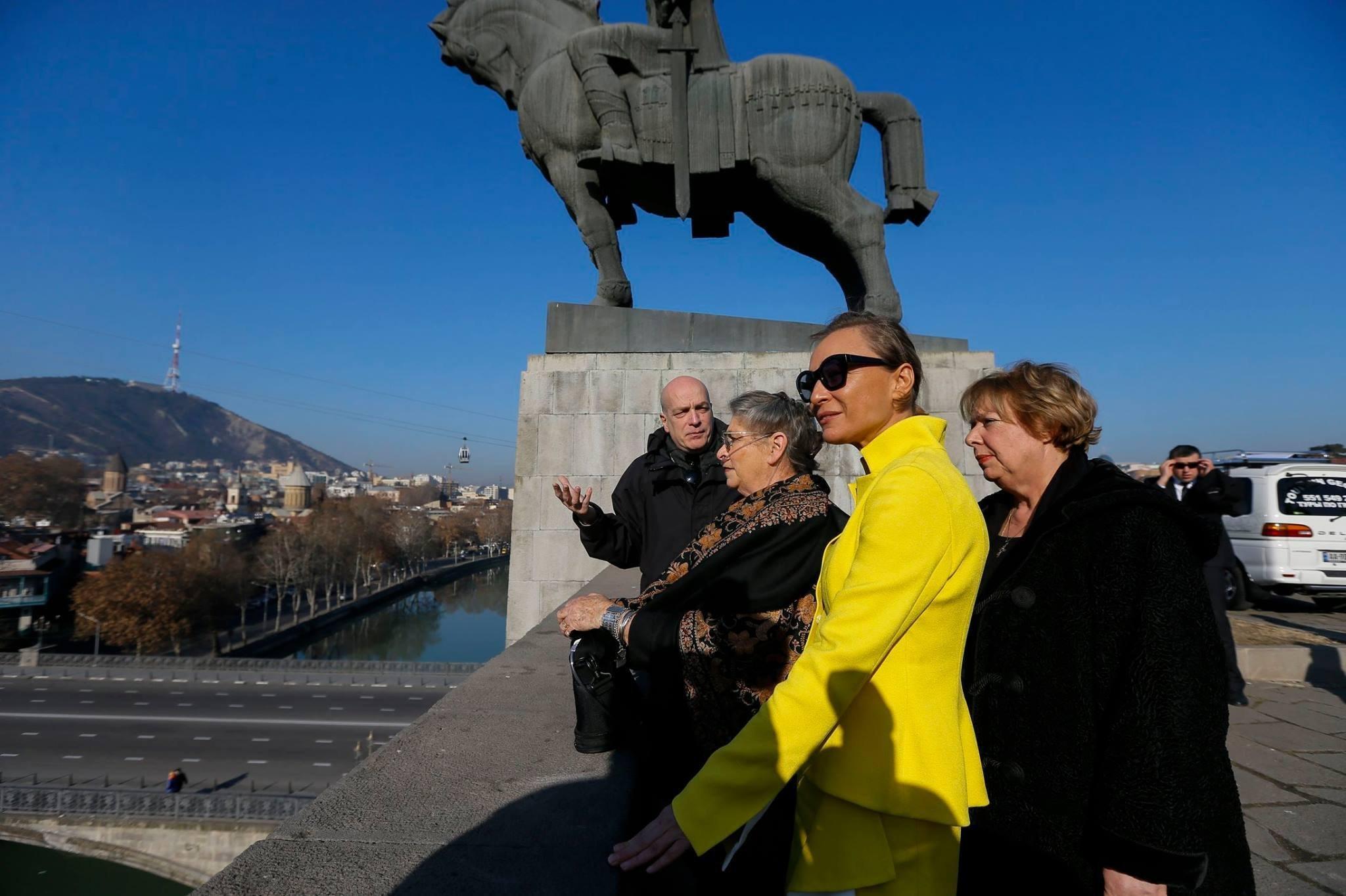 Нехама Ривлин и Мака Чичуа прогулялись по Тбилиси