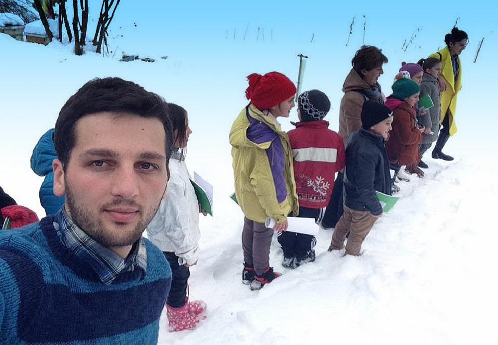 Учитель английского языка Гага Шетекаури в село Шуапхо