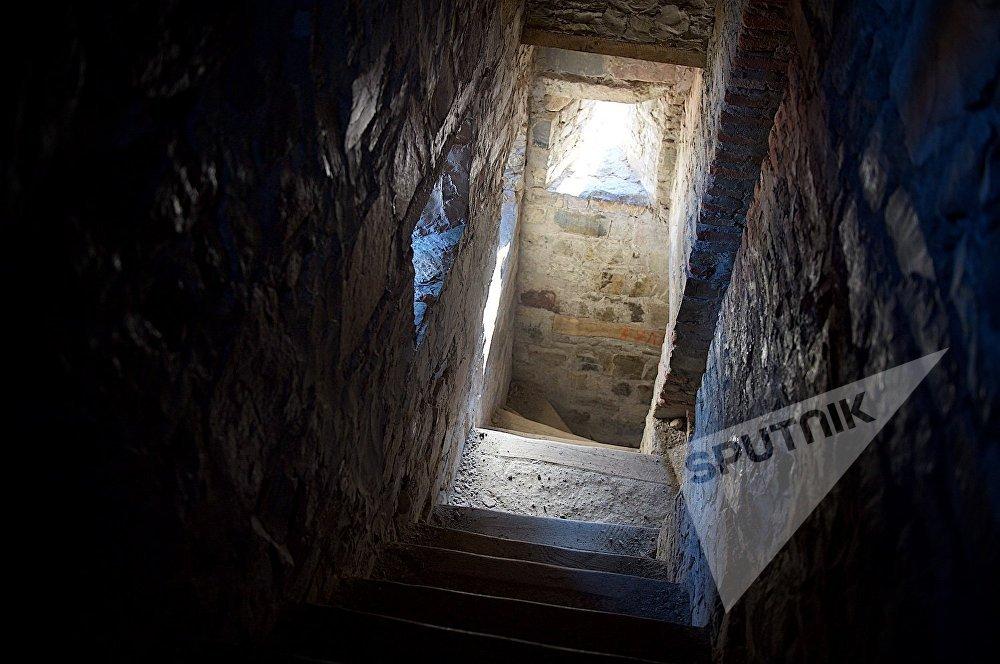ანანურის ციხე-სიმაგრის ერთ-ერთ კოშკში - შუა კოშკ შეუპოვარში