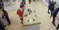 ბოროტმა სანტამ თბილისში Apple-ის მაღაზიიდან ნოუთბუქი გაიტაცა