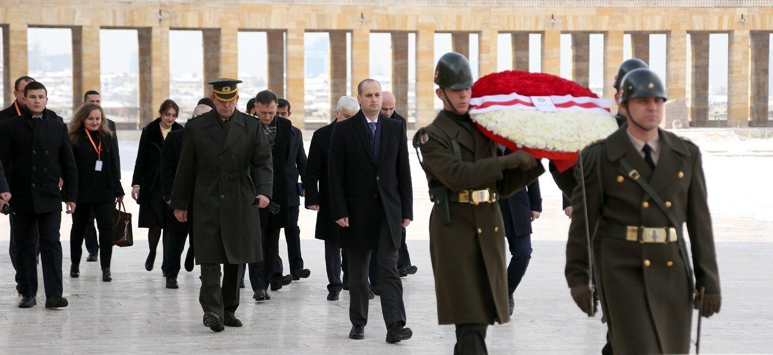 Глава МИД Грузии Михаил Джанелидзе посетил мавзолей основателя Турецкой Республики в Анкаре